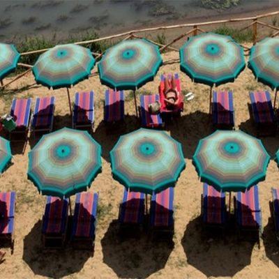 """Roma, dal 18 maggio accesso regolato sulle spiagge del litorale romano Raggi: """"Graduale ritorno alla normalità, ma ancora fondamentale responsabilità da parte dei cittadini"""""""