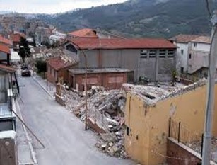 31 ottobre 2002, la città di Isernia commemora il sisma di San Giuliano di Puglia