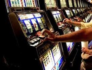 Campidoglio: Lotta alla dipendenza da gioco d'azzardo Assessorato Persona, Scuola e Comunità solidale e Municipio XI insieme contro ludopatia