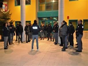 """Traffico di droga tra Isernia e Lucera: eseguite 12 ordinanze di custodia cautelare (video) Operazione denominata """"WHITE RABBIT"""" condotta dalla Questura di Isernia alle prime luci dell'alba di questa mattina"""