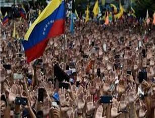 30mila euro per il rientro in Italia dei nostri connazionali residenti in Venezuela. Il consiglio approva l'emendamento presentato dal Partito Democratico.