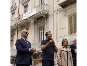 """Scuola, l'allarme di Salvini: """"In Molise mille alunni disabili, ma il governo li dimentica e il ministro dorme"""" Lo dice il leader della Lega Matteo Salvini."""