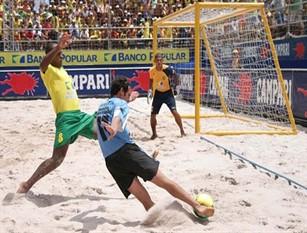 Beach Soccer, Serie Aon: a San Benedetto del Tronto tutta la magia del campionato italiano Dal 12 al 14 luglio il campionato LND fa tappa nelle Marche con 30 partite tra Poule Scudetto e Promozione.