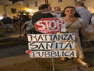Fiaccolata per punto nascita Termoli Manifestazione di protesta contro la chiusura del reparto