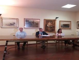 Intervista sindaco di Isernia sulle strisce blu (video) Annuncia ai cittadini,all'utenza e alla stampa : 'So quello che devo fare non me lo faccio  certo suggerire dall'esterno'