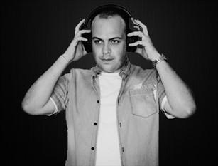 """James Prana, Dj remix   isernino   alla ribalta. Esce il suo nuovo singolo Si chiama """"Head Banging"""" ed è il nuovo singolo musicale del DJ e Producer James Prana."""
