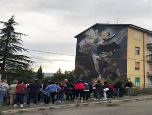 """""""Il Corpus Domini oltre ill Corpus Domini"""", alla scoperta dei murales di Fontana Vecchia con il trekking urbano"""