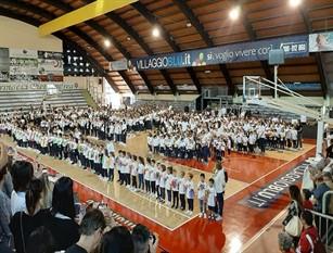 Ferentino: al Palazzetto dello Sport l'inaugurazione dell'anno scolastico dell'Istituto Comprensivo I Pompeo: l'augurio ai ragazzi nella giornata simbolo dedicata ai nonni