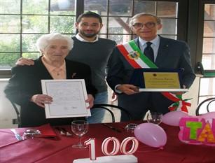 Nonnina isernina Filomena Esposito ha compiuto 100 anni
