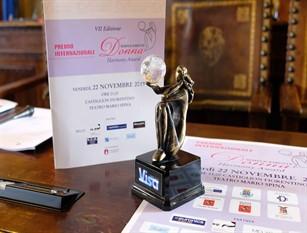 L'associazione Italiana Calciatori è tra i vincitori del premio Semplicemente Donna con il progetto #Facciamogliuomini