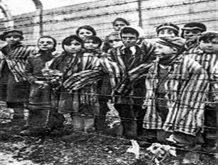 """Viaggio della Memoria 2019 ad Auschwitz, Birkenau e Neuengamme Sindaca Raggi: """"Sui luoghi della Shoah per ricordare e sconfiggere nuove parole d'odio"""""""