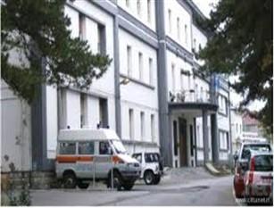Ospedale di Agnone, chiudono anche centralino e bar Candido Paglione, sindaco di Capracotta, «Basta bugie, serve una chiara inversione di tendenza.  I fondi potrebbero arrivare anche dal Recovery fund»