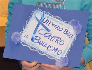 """Resoconto incontro consegna """"Nodo Blu"""" contro il bullismo presso l'istituto Difesa Grande di Termoli"""