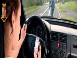 Continuano i controlli serrati sull'uso dei telefonini alla guida.