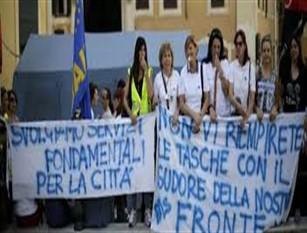 Campidoglio, venerdì incontro con rappresentanti lavoratori Roma Multiservizi e mense scolastiche Sul tavolo pacchetto di misure per garantire la ripresa di alcune attività e la continuità nell'accesso agli ammortizzatori sociali