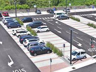 Parcheggi gratuiti la domenica sui due lungomare della citta'