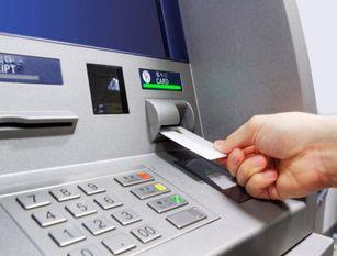 La Polizia di Stato denuncia un giovane per utilizzo fraudolento di bancomat e ricettazione