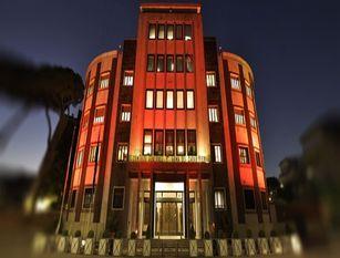 Illuminate di arancione le caserme dell'Arma dei Carabinieri