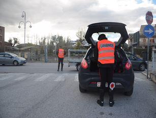 Carabinieri Isernia, resoconto dei controlli durante le festività natalizie. Impiegati 330 uomini, controllate 286 persone,89 esercizi pubblici e centinaia di veicoli