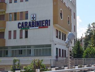 I Carabinieri di Isernia aiutano una donna in gravidanza a raggiungere il locale Ospedale.