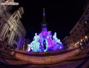 """Piazza Navona, light show per illuminare la Fontana dei Quattro Fiumi fino al 6 gennaio 2021 Raggi """"Diamo un segno di calore ai romani in un luogo simbolo per le festività natalizie da generazioni"""""""