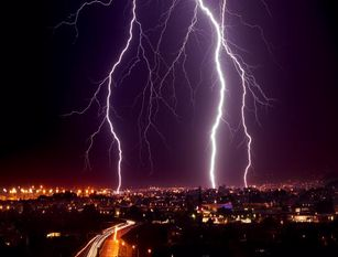 Isernia,un fulmine provoca danni alla rete idrica e a quella del gas