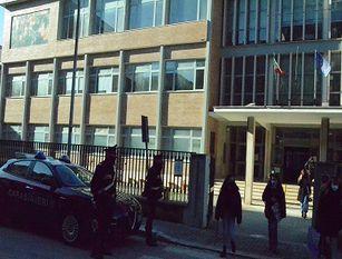 Isernia – Riapertura delle scuole – I Carabinieri vigilano gli istituti scolastici.