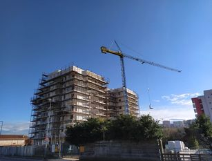 Frosinone: boom dell'edilizia, gru nei quartieri.