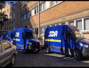 Il Gruppo Poste Italiane consegna le prime 300 dosi del vaccino moderna all'ospedale Cardarelli di Campobasso