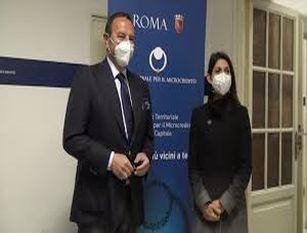 Aperto sportello per il microcredito sociale e d'impresa per Roma Capitale Visita della sindaca Virginia Raggi e del presidente dell'ENM Mario Baccini