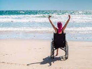 """A Montesilvano l' iniziativa""""Mare per tutti"""" a favore dei disabili"""