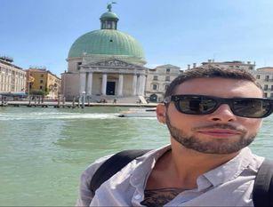 Festival del cinema di Venezia, Gioele D'Agnone curerà le acconciature  dei divi Il parrucchiere isernino chiamato dalla famosa kermesse per conto della l'Oreal  brand Kerastase Armani