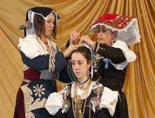 """Isernia,  gli """"antichi costumi popolari"""" e la """"vestizione della sposa"""" Alla scoperta dei costumi molisani"""