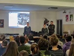 Bullismo e cyberbullismo, incontri negli istituti scolastici per comprendere il problema Iniziativa promossa dalla Polizia di Stato di Isernia promuovendo la cultura della legalità