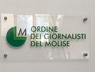 La collega Giovanna Ruggiero querelata. L'OdG Molise le esprime grossa solidarietà e invita Toma e Giunta regionale a revocare la denuncia