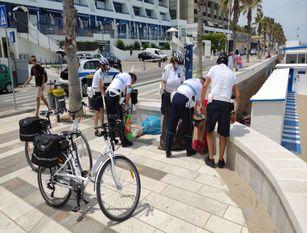 Termoli, la polizia locale intensifica i controlli sulle spiagge sequestrata merce contraffatta di ogni tipo