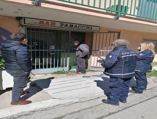 Lotta all'occupazione abusiva: blitz di comune, polizia locale e asl nell'ex hotel Paradiso