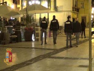 Movida nel centro storico ad Isernia: la Polizia identifica e denuncia 3 giovani per rissa.