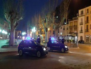 Schiamazzi al bar, i Carabinieri denunciano il gestore per lavoro sommerso.