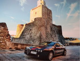 Compagnia Carabinieri di Termoli (CB). L'Arma denuncia in stato di libertà un 61enne responsabile di porto di armi od oggetti atti ad offendere.