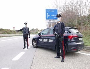 Termoli, un 31enne arrestato dai Carabinieri per associazione di tipo mafioso, furto aggravato ed altri reati In esecuzione di un'ordinanza di applicazione misura cautelare in carcere emessa dall'autorità giudiziaria.